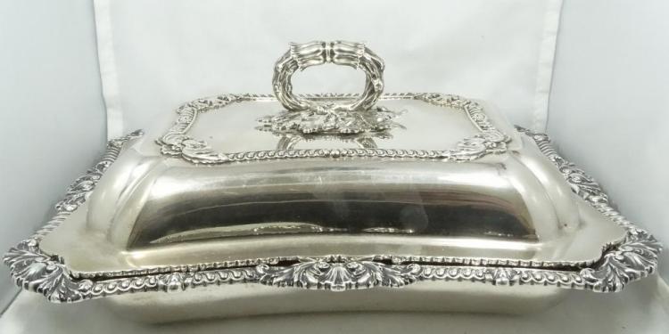 Antique 1821 paul storr solid sterling two piece entre dish for Separation decorative entre 2 pieces