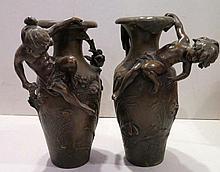 MOREAU Auguste, 1834-1917 [FR]. Fausse paire de vases, Art Nouveau.
