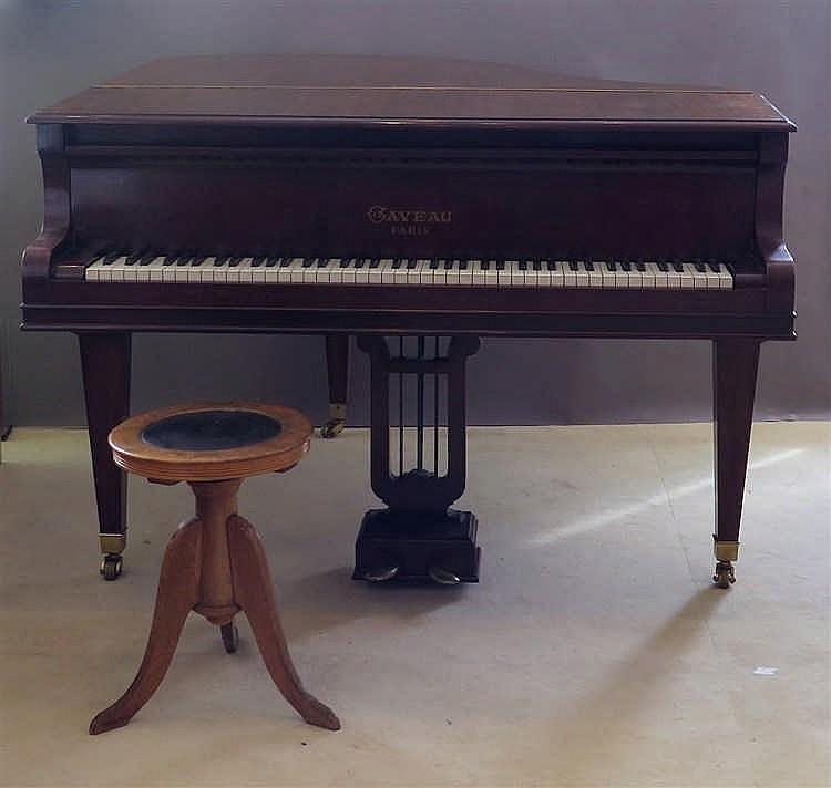 GAVEAU, 1847 - 1965 [FR]. Piano crapaud, Paris, fin XIXe s.