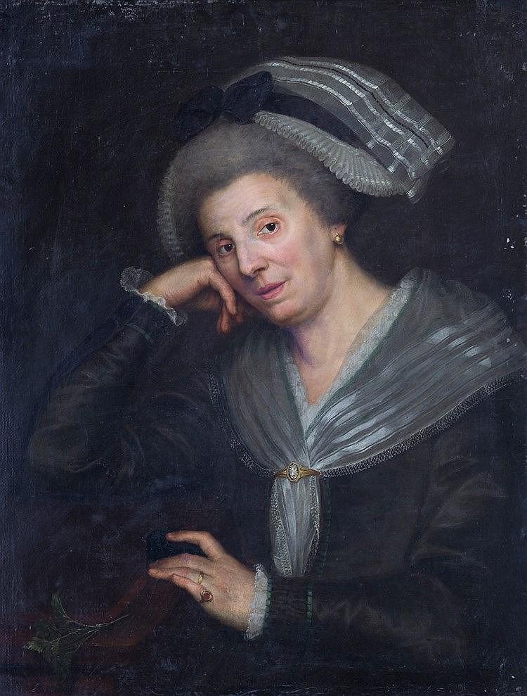 c71759af6650 Portrait de femme au foulard gris