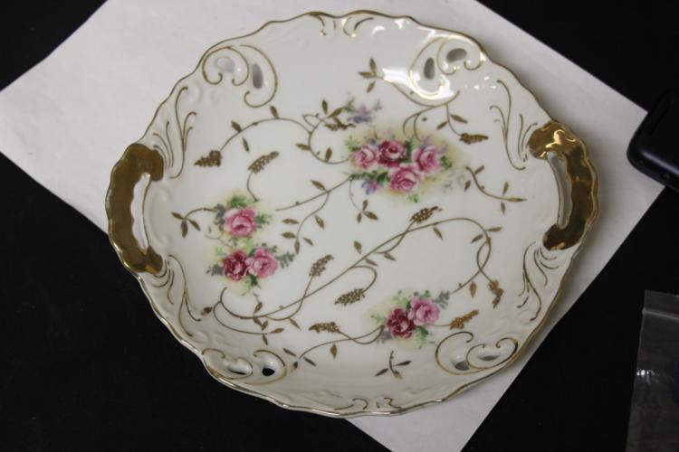 An Antique/Vintage Two Handle Porcelain Plate
