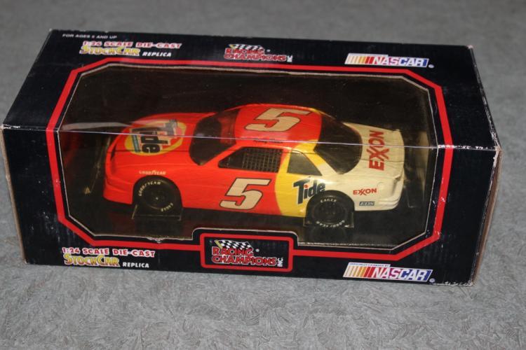 Die Cast Car Model - #5 Ricky Rudd