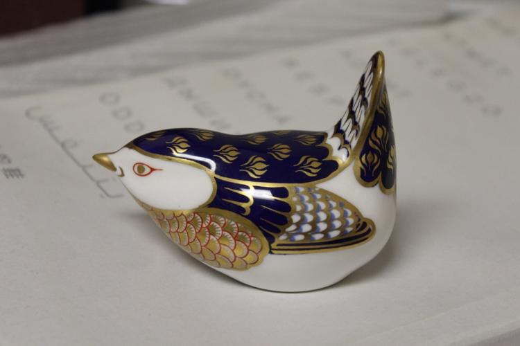 An English Royal Crown Derby Bird/Paperweight