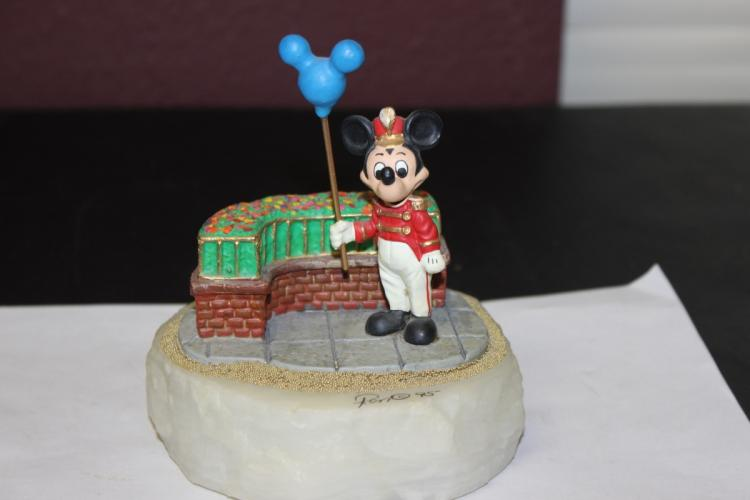 A Ron Lee Disney's Mickey Mouse Statue