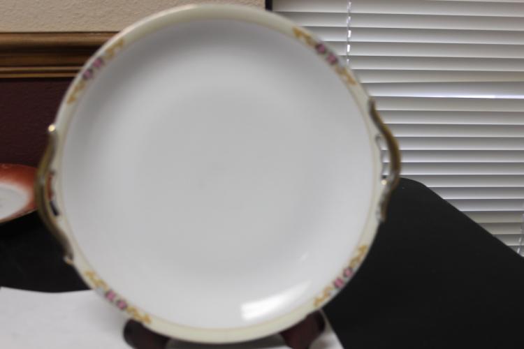 A Meito China Japan Two Handle Porcelain Plate