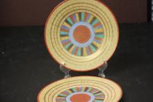 A Set of 2 Kutani Thousand Face Motif Plate