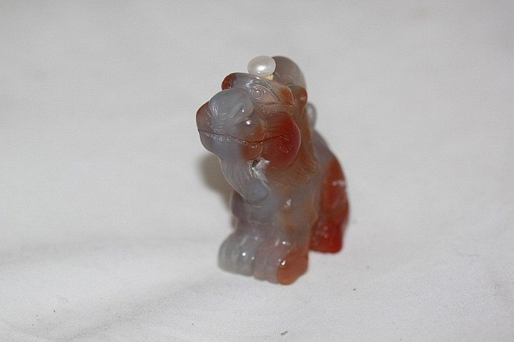 Antique Chinese Agate Lion Snuff Bottle