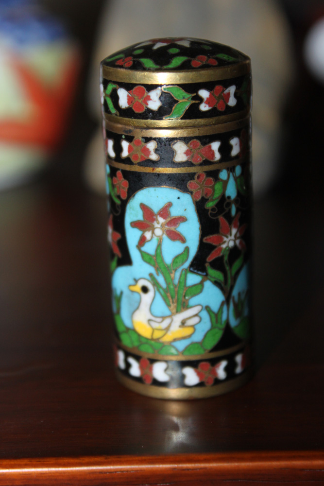 Antique / Vintage Chinese Cloisonne Small Container