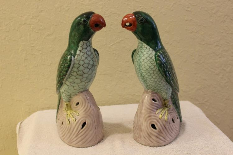 Pair of Antique Chinese 19/20th Cent Porcelain Parrot Figures / Statues