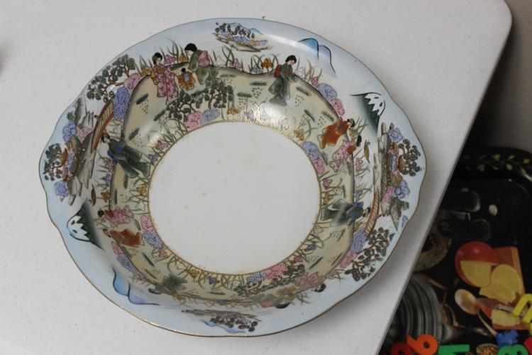 Antique / Vintage Large Japanese Hand Painted Nippon Bowl