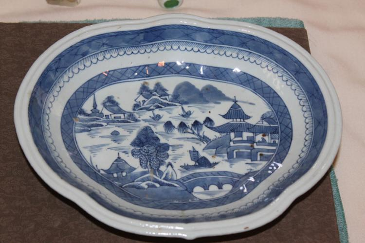 Antique Chinese 18th/ 19th Century Blue and White Export Plate