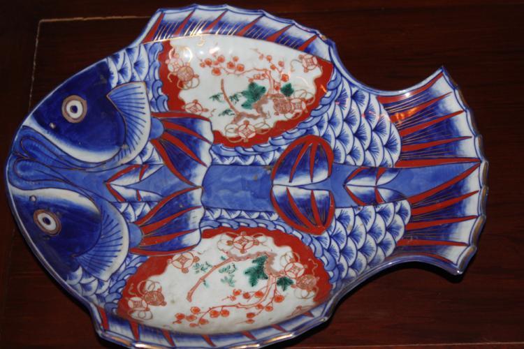 Antique Japanese Imari Fish Plate