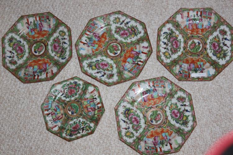 5 Antique Chinese 19th C Rose Medallion Octagon Plates