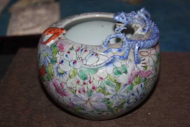 Antique Chinese 19th / 20th Century Porcelain Water Coupe