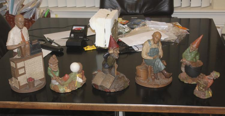 Lot of 6 Tom Clark Figurines