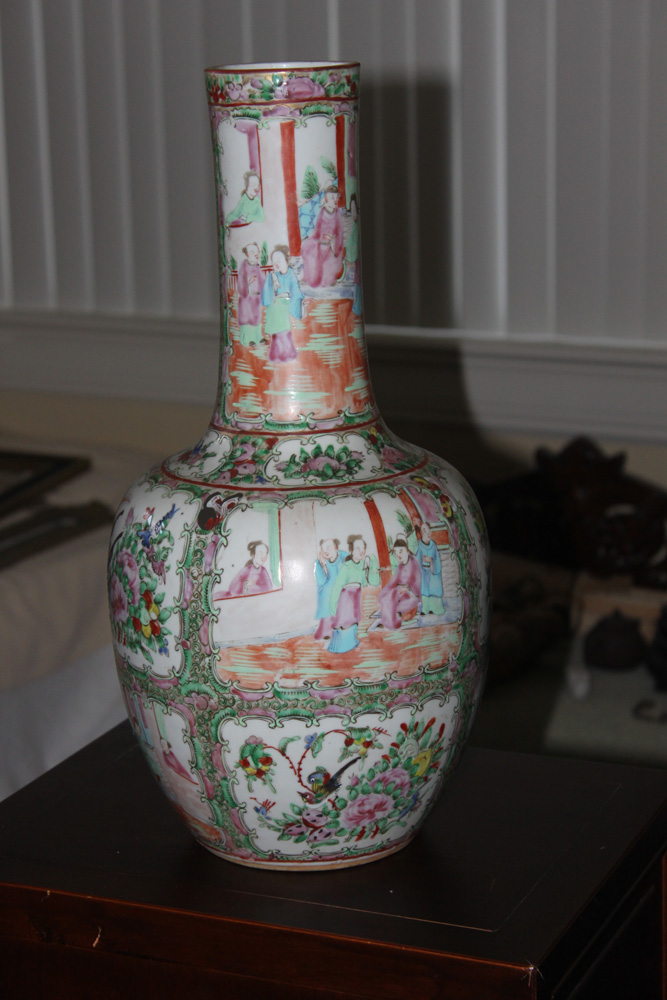 Rose Medallion 19th C Large Chinese Vase