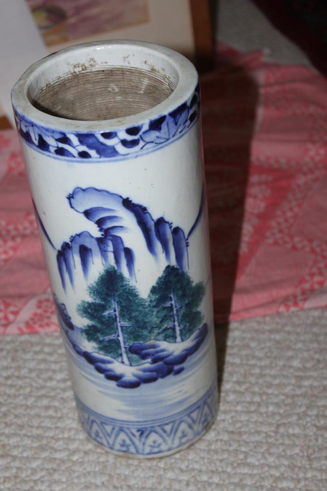 Antique Chinese / Asian Hat Vase or Cylinder Vase