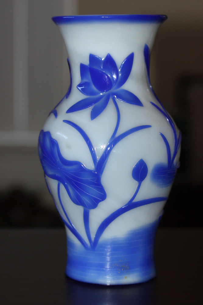 19th / 20th Century Chinese Peking Glass Vase