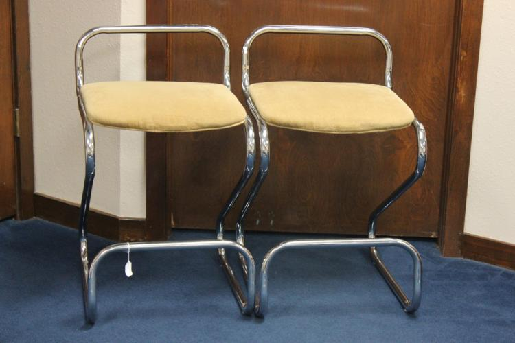 Pair of Retro Z Chairs by Daystrom Furniture