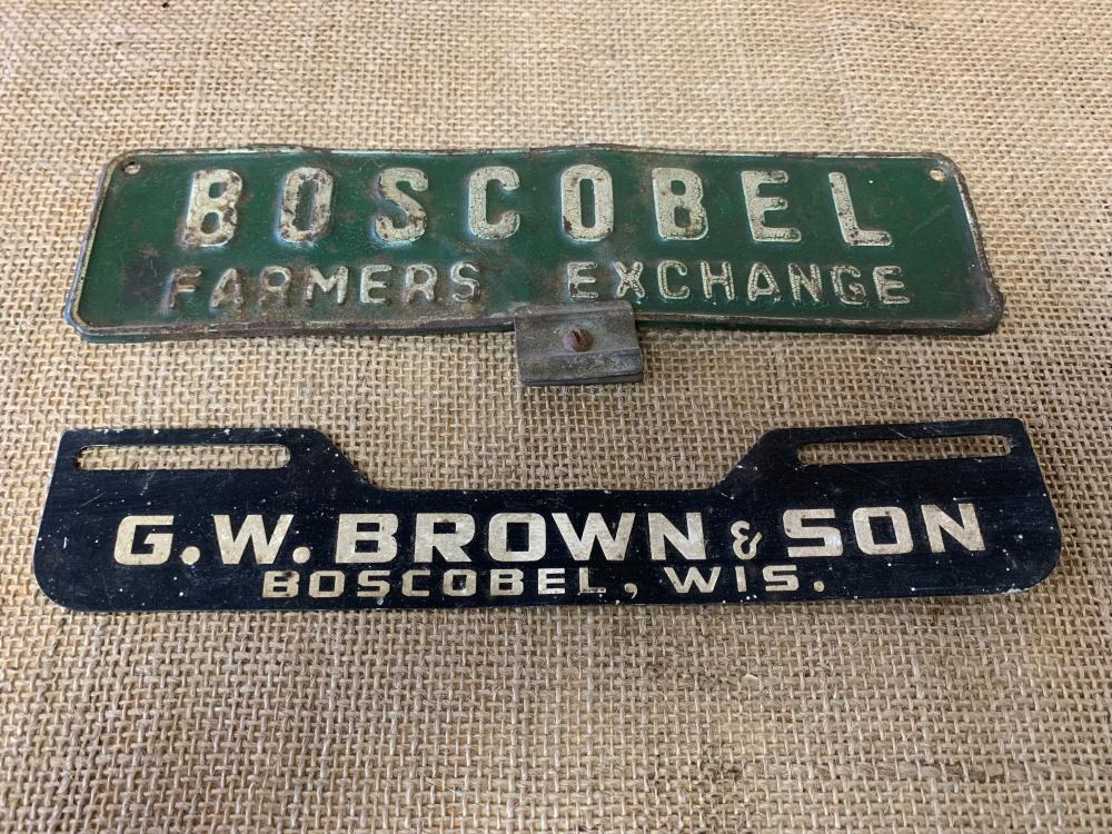 License plate toppers