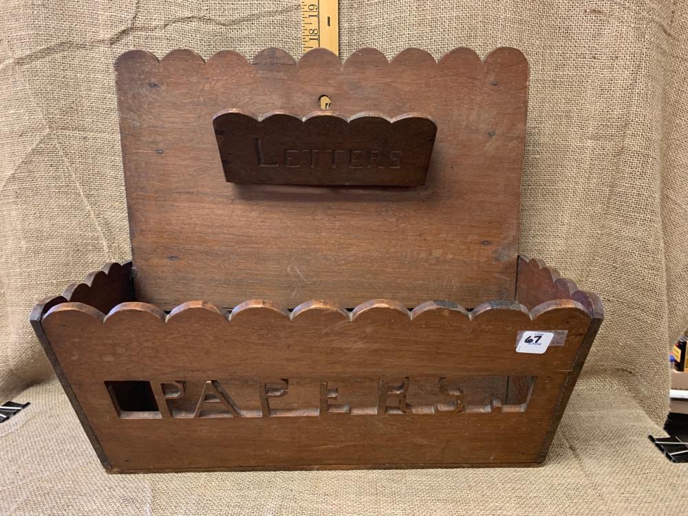 Letter/paper holder