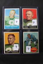 4 football cards: