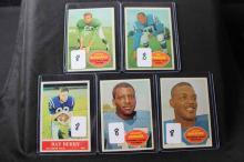 5 football cards: