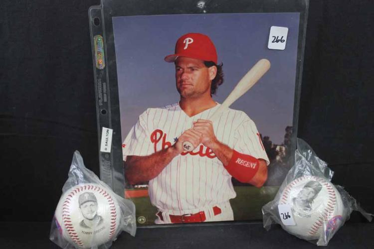 Autographed photo, 2 baseballs: