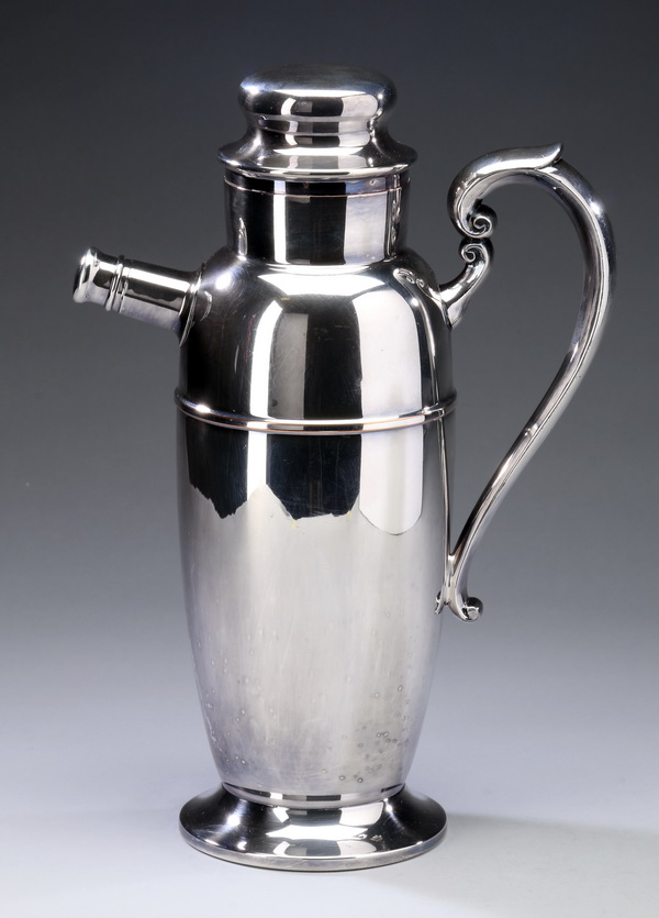 Art Deco style silverplate cocktail shaker, 11