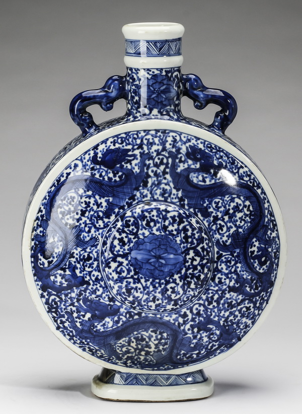 Large Chinese Ming style moon flask, 14
