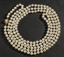 Strand of Akoya pearls, approx. 70