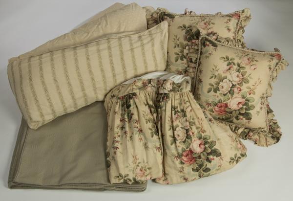 5pc custom made queen size bedding ensemble
