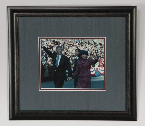 Bill Clinton autographed color photograph