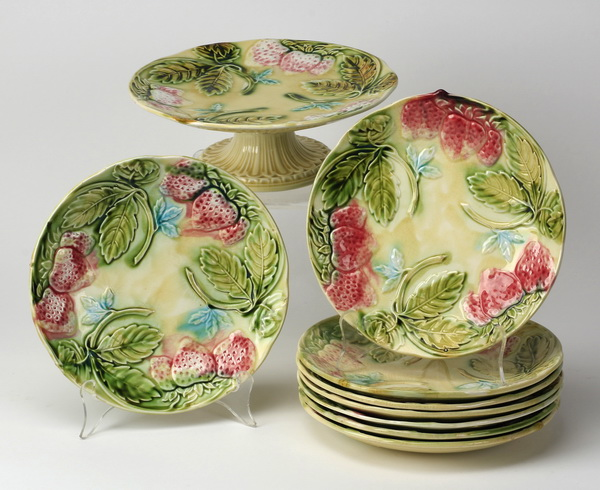 9-Pieces French strawberry majolica