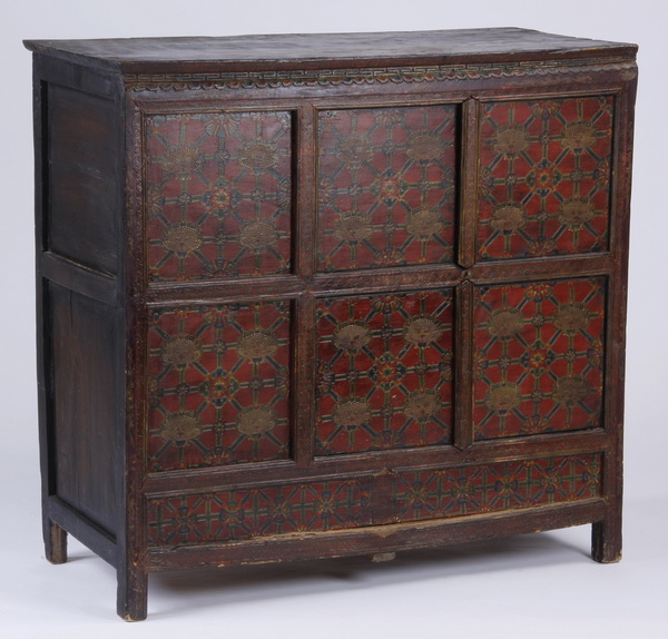 Indo-Chinese paint decorated cabinet, 41