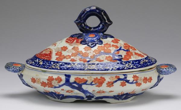 Imari style porcelain covered tureen 8