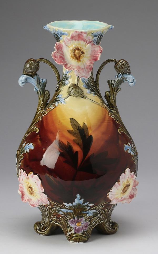 Continental polychrome majolica vase, 12
