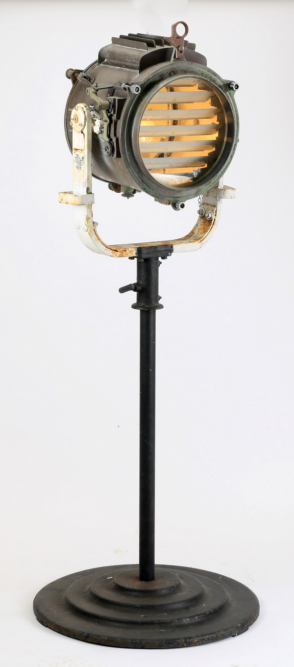 Early 20th c. maritime signal light, 61