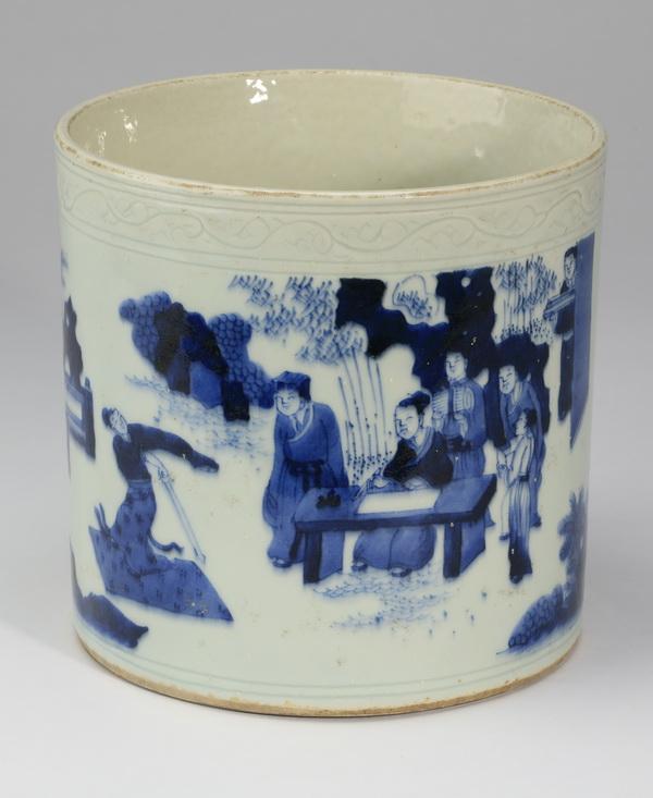 Chinese blue and white porcelain brush pot