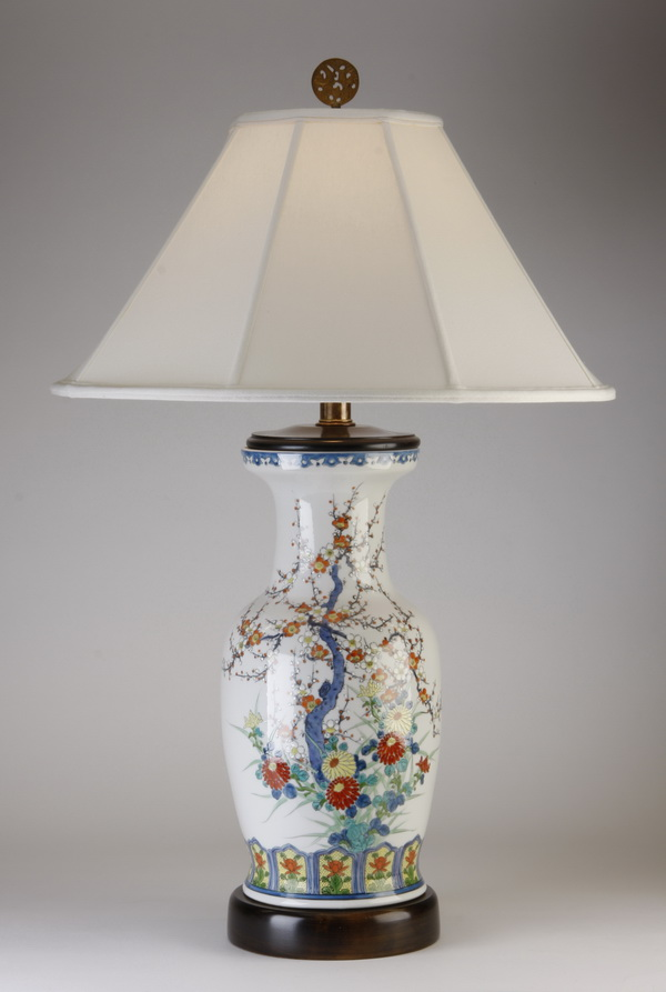 Chinese porcelain table lamp, 24