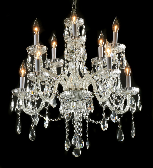 Continental 10-light crystal chandelier, 32