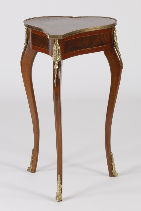 Marquetry inlaid occasional table, 32