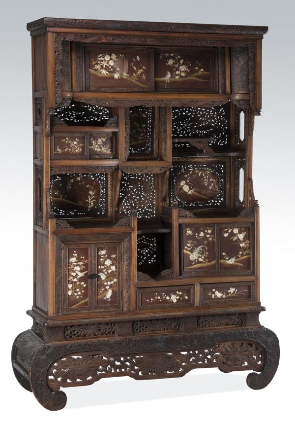 19th c. Japanese gilt & lacquer Kazaridana, 81