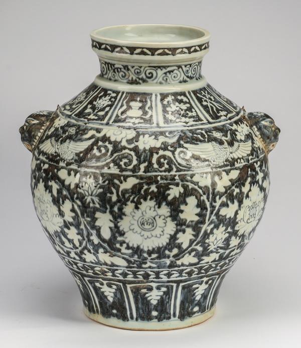 Chinese Yuan style phoenix jar, 16