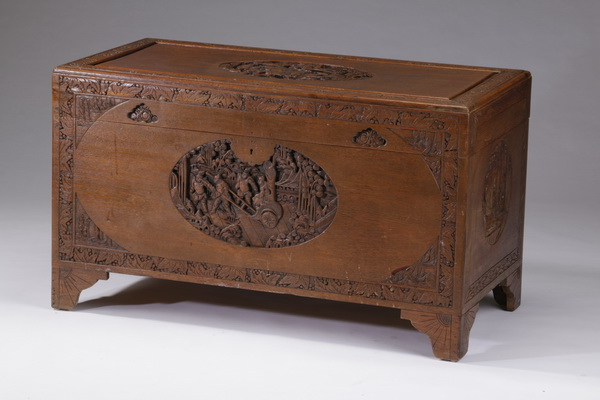 Hardwood blanket chest with scenes of knights, 40