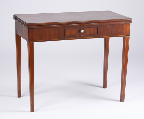 Mahogany gate-leg game table, early 20th c.