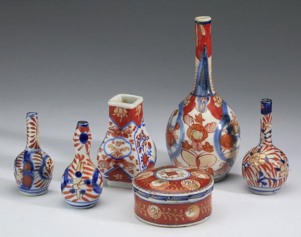 (6) Diminutive Imari porcelain vases