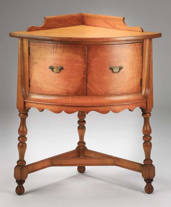 George III style bowfront coner cabinet, 30