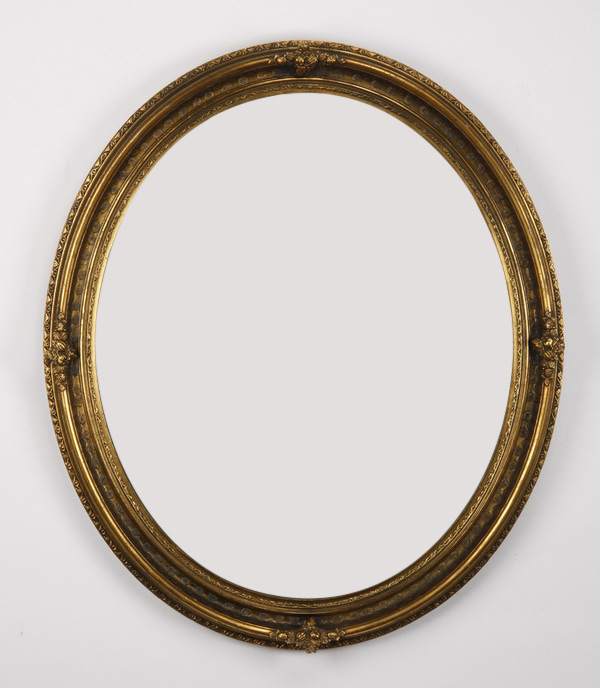 Early 20th c. oval frame