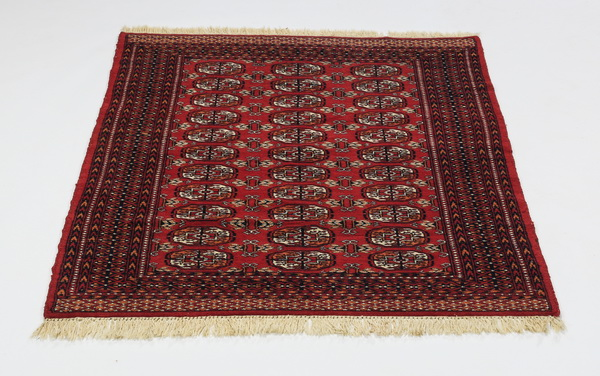 Hand knotted Boukhara wool rug, 6' x 4'
